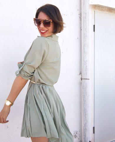Vestido verde plisado